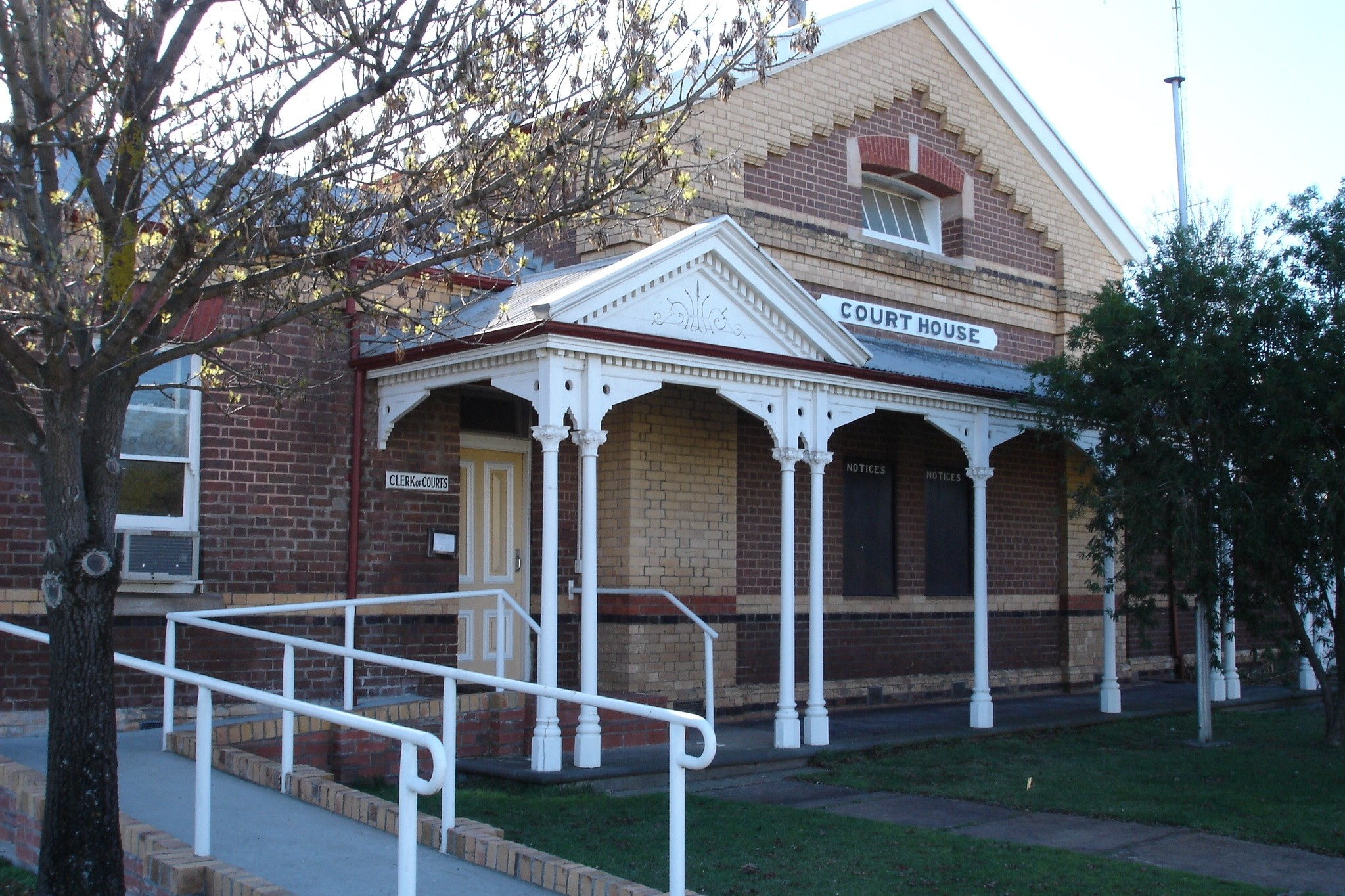 Outside view of Nhill Magistrates' Court